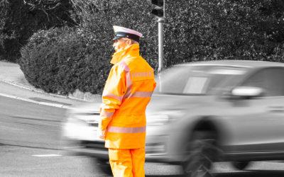 Agenti di sicurezza per servizi di segnalazione manuale stradale